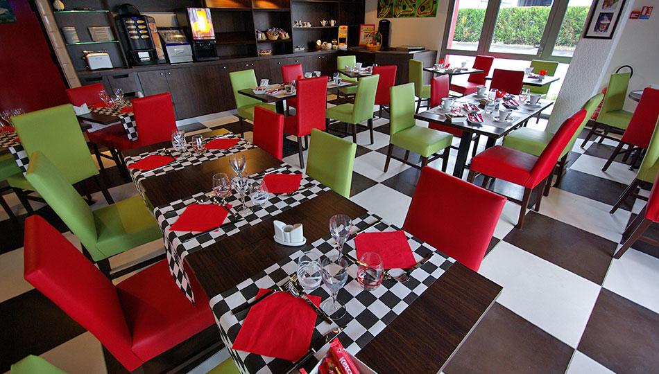Meubles pour bar accueil buffet restaurant sur meubles for Hotel meuble la spiaggiola